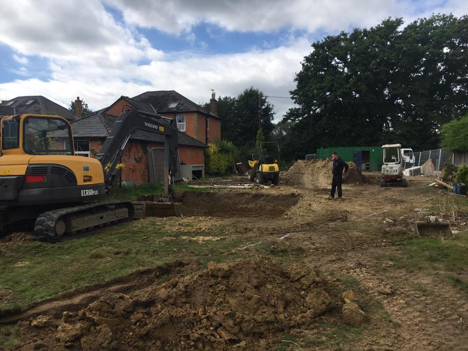 Mini digger hire guildford mini digger hire leatherhead - Swimming pools in kingston upon thames ...